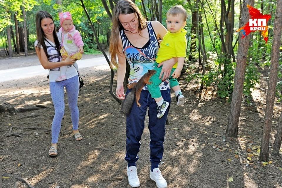 Молоденькие девочки в лесу голенькие фото 590-213