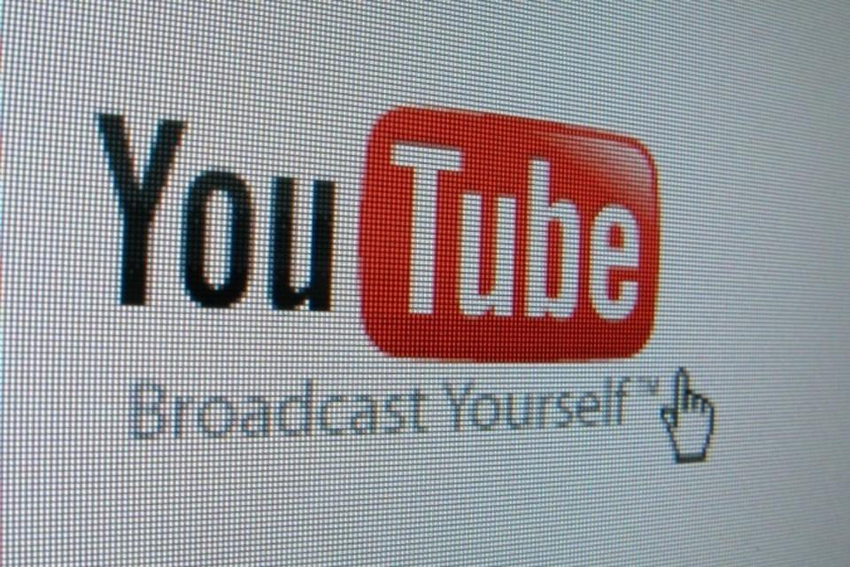 Роскомнадзор заблокировал 20 роликов на популярном видеосервисе YouTube