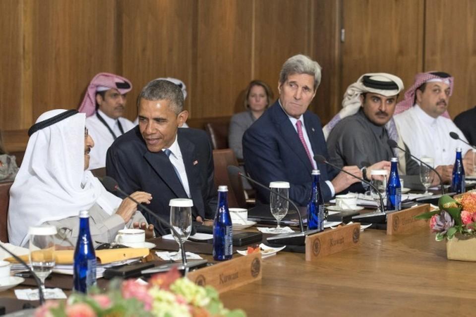 Западные СМИ пишут, что США с помощью своих основных арабских союзников на Ближнем Востоке «организовали обвал цен на нефть, чтобы обанкротить Москву»