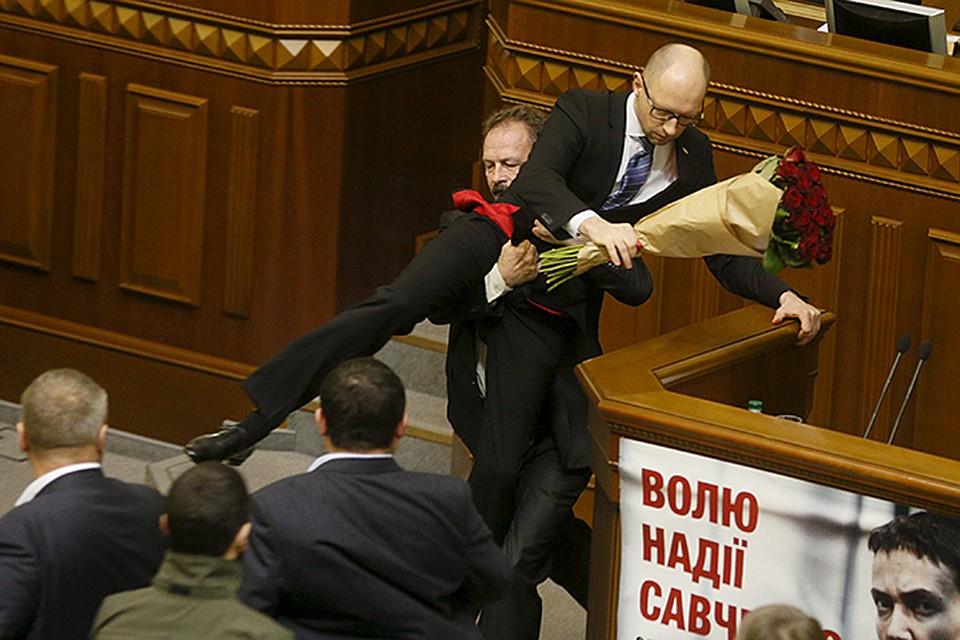 Суд про утримання під вартою Савченко перенесли на 13 липня, коли закінчується термін її арешту - Цензор.НЕТ 6545