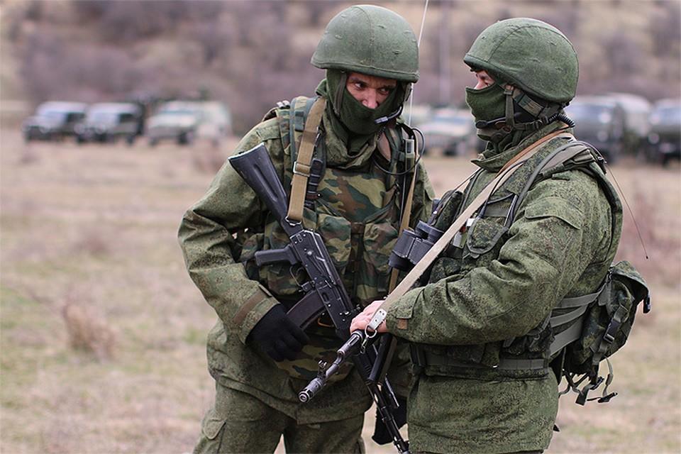 """""""Вежливые люди"""" весной 2014 года в Крыму."""