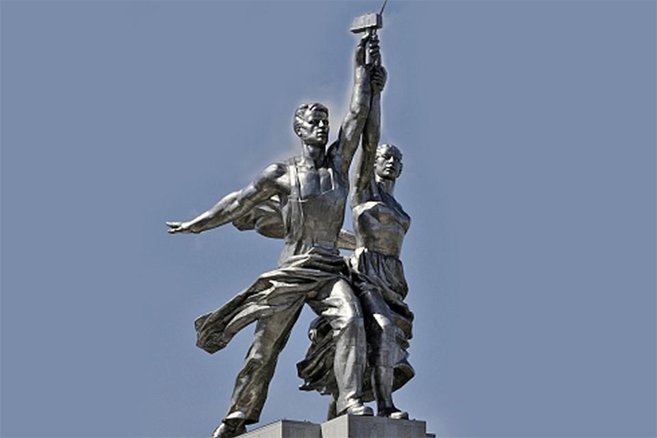«Рабочий и колхозница» стали символом не только заставки «Мосфильма», но и всего советского времени.