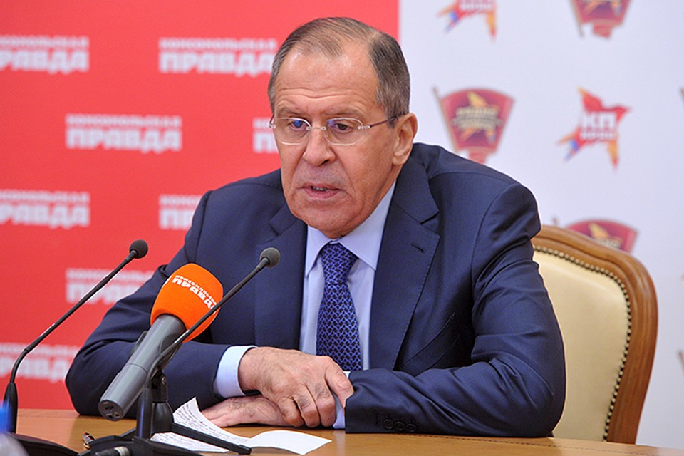 """Министр иностранных дел ответил на вопросы журналистов и читателей """"Комсомольской правды"""""""