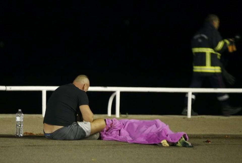 Жертвами нападения в Ницце стали 77 человек