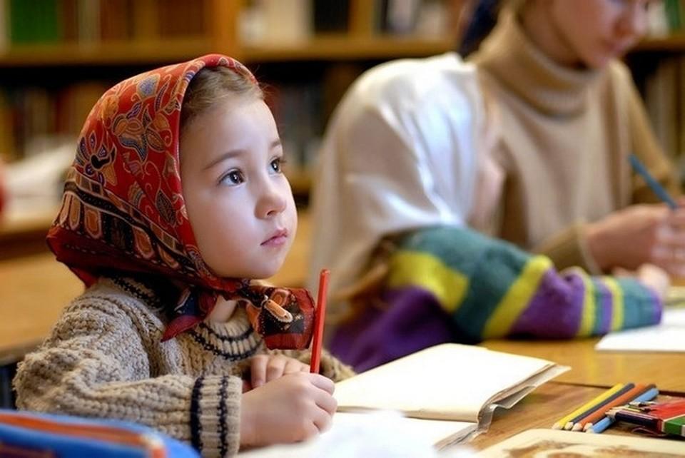 Пока в средней школе не принуждают к религиозному образованию. Фото: pravmir.ru