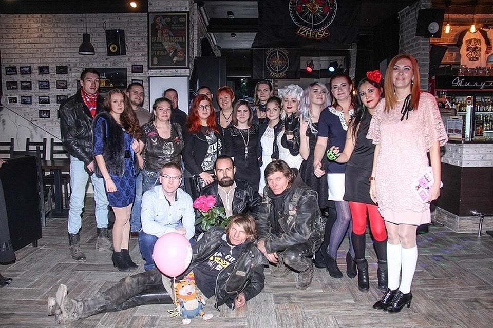 Клуб для парней геев в ижевске фото 147-946
