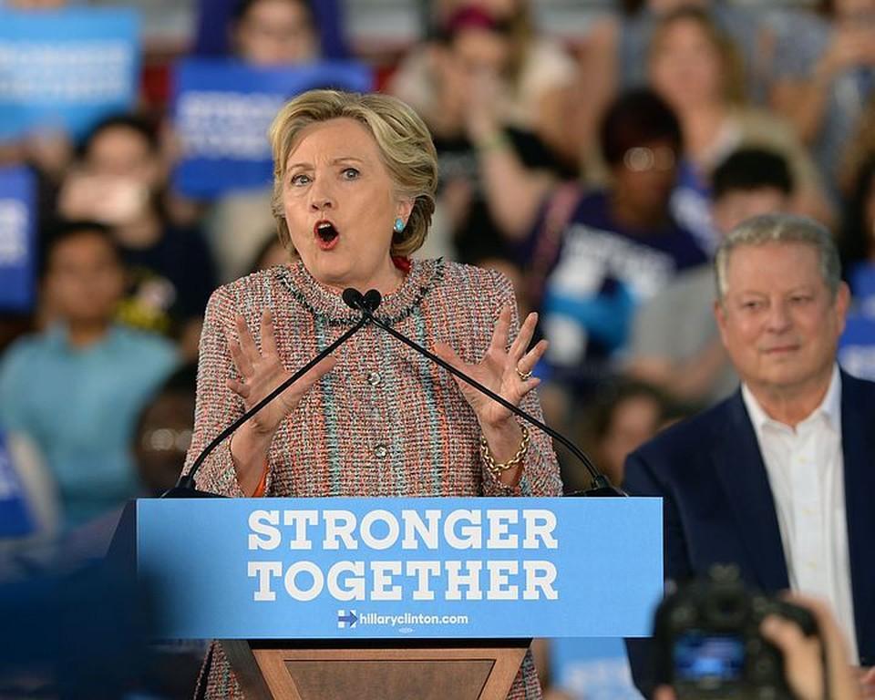 Те, кто стоит за Клинтон, проиграв сражение, не готовы проиграть войну. Фото: Алексей Дружинин/ТАСС