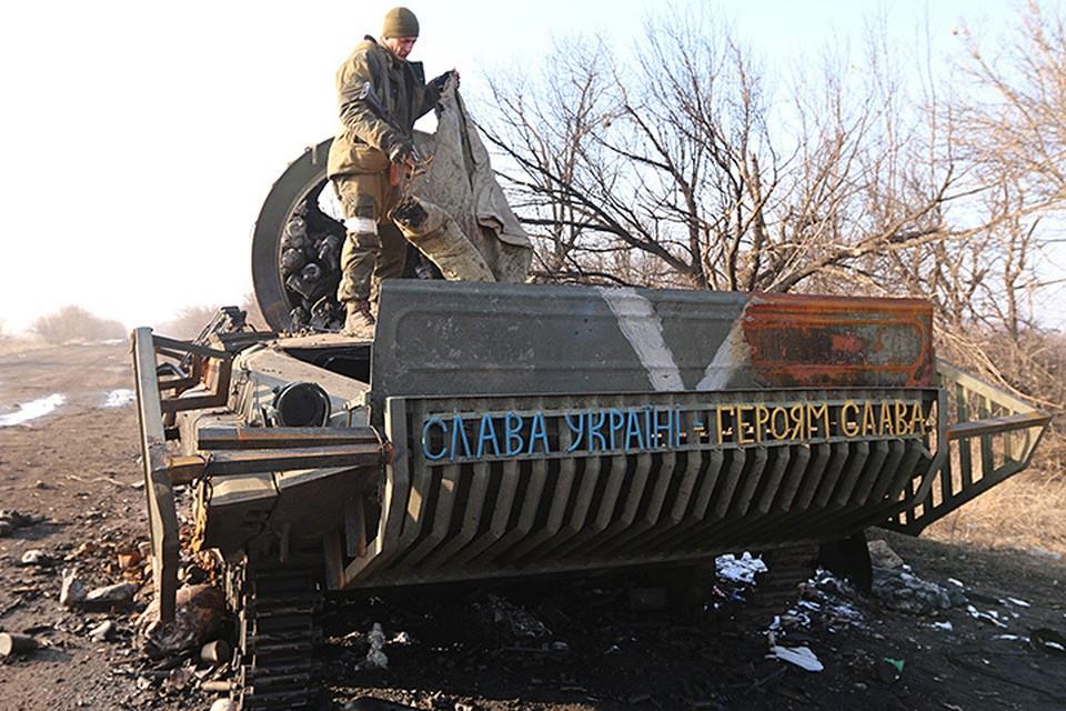 В рядах порошенковского «вийська» хорошо знают, что на самом деле представляет из себя полуголодная, закусанная окопными вшами и ржавеющая армия