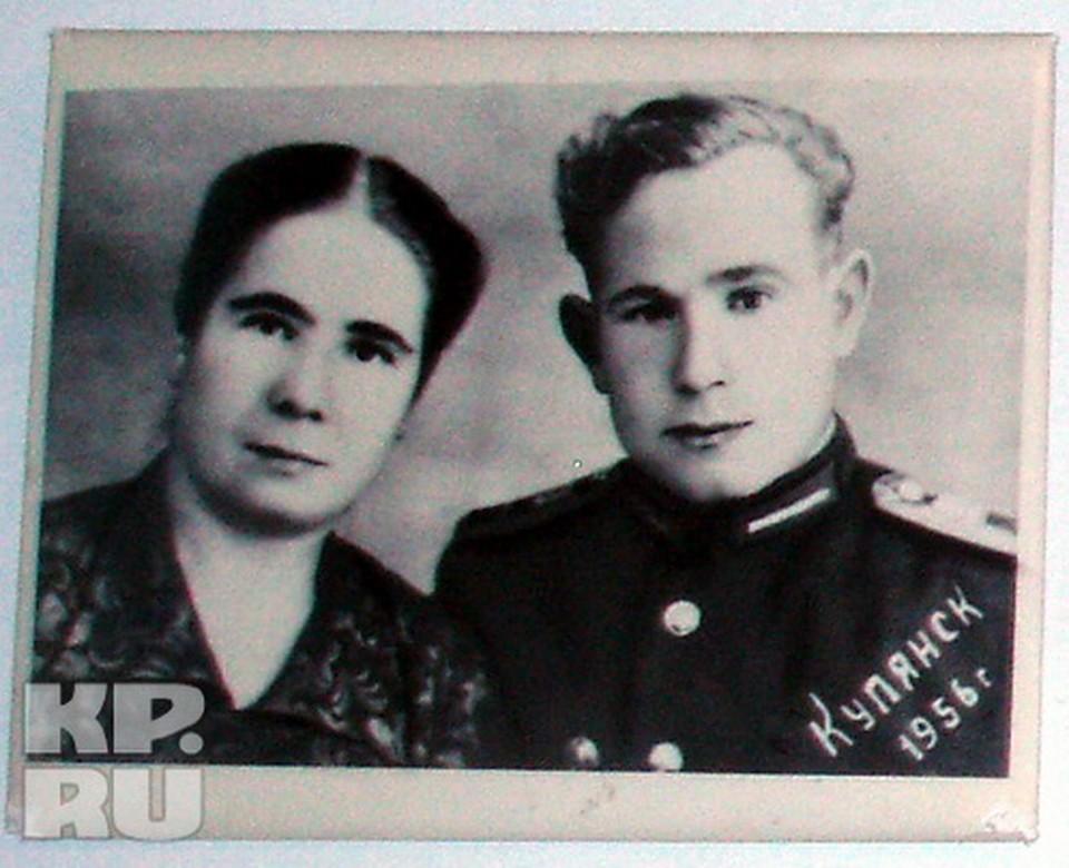 Любимое фото сестры Раи - она и Алексей Леонов сфотографировались в молодости