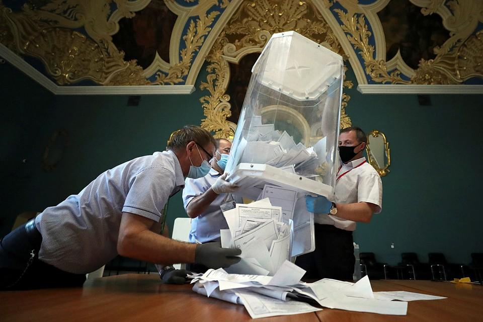 ЦИК России обработал 100% протоколов общероссийского голосования по поправкам в Конституцию. За поправки проголосовали 77,92% граждан России, против – 21,27%