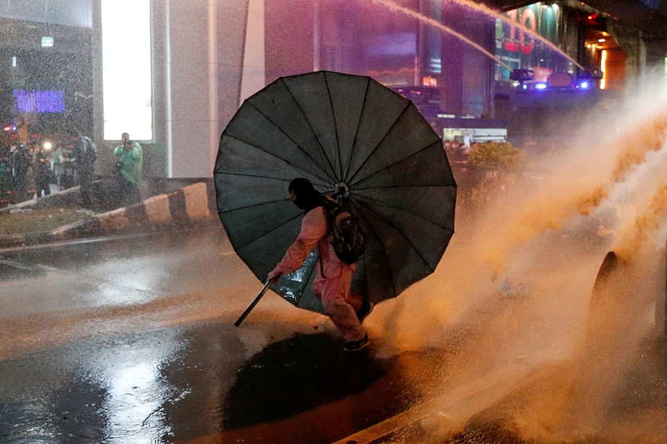 Антиправительственные протесты с требованием отставки премьер-министра Таиланда Праюта Чан-очи продолжаются в Бангкоке