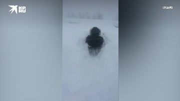 В Норильске за месяц выпала почти двойная норма осадков — город утопает в снегу