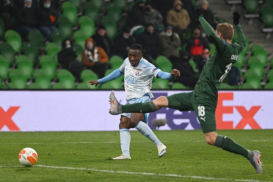 Футболисты «Краснодара» проиграли дома загребскому «Динамо» в первом матче 1/16 финала Лиги Европы УЕФА. Встреча завершилась со счетом 3:2 в пользу гостей
