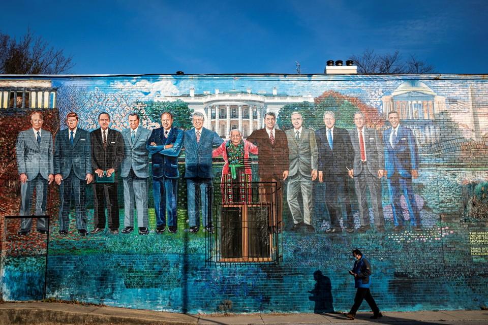 Фреска с изображением бывших президентов США возле Mama Ayesha's restaurant в Вашингтоне