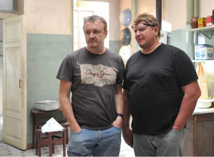 Режиссер и писатель (справа) на съемочной площадке. Фото: vk.com/ochemmolchatfrantsuzy