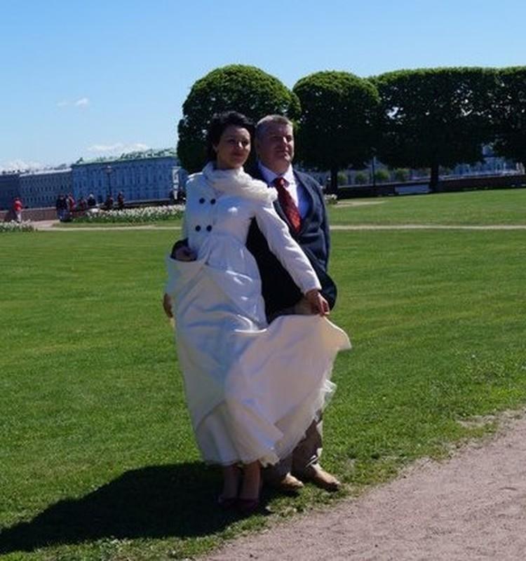 Леонид Мнацаканов с супругой. Фото: соцсети