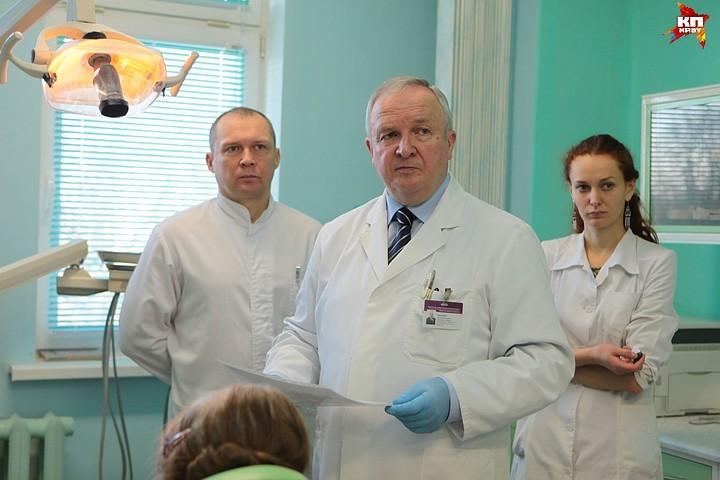 Стоматолог-ортопед Семен Наумович: «Каждый вырванный зуб приближает человека к старости». Фото: Дмитрий ЛАСЬКО