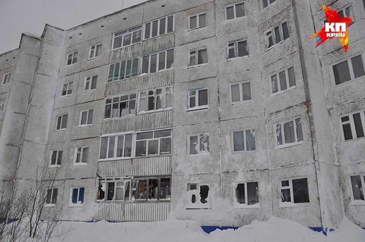 От спуска лавины пострадало более 30 квартир района Кукмсвумчорр.