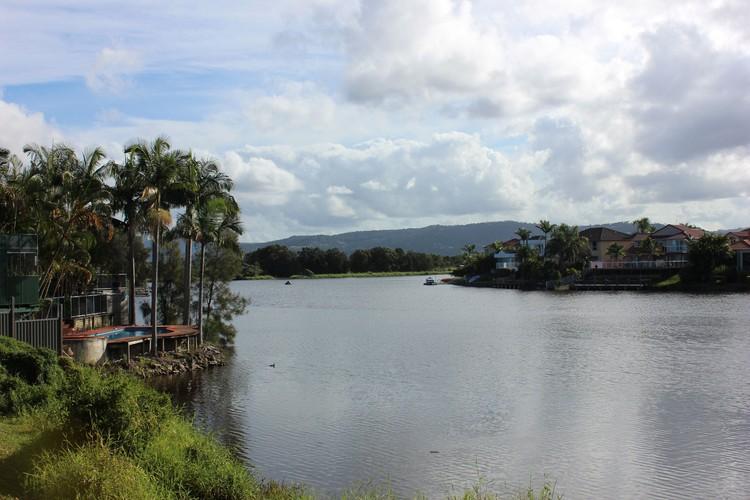 Голд Кост может похвастаться не только океаном, но и озерами. Фото: автора.