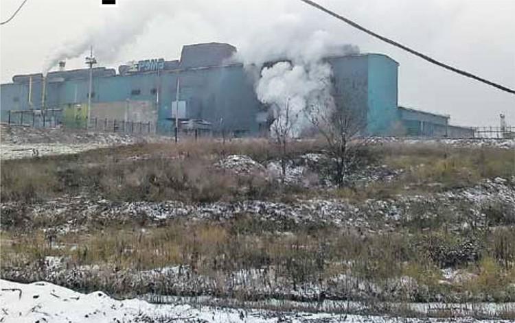 Пока жители Шахт вдыхают заводскую гарь,  Вадим Варшавский вынашивает планы по увеличению своих доходов. Фото автора