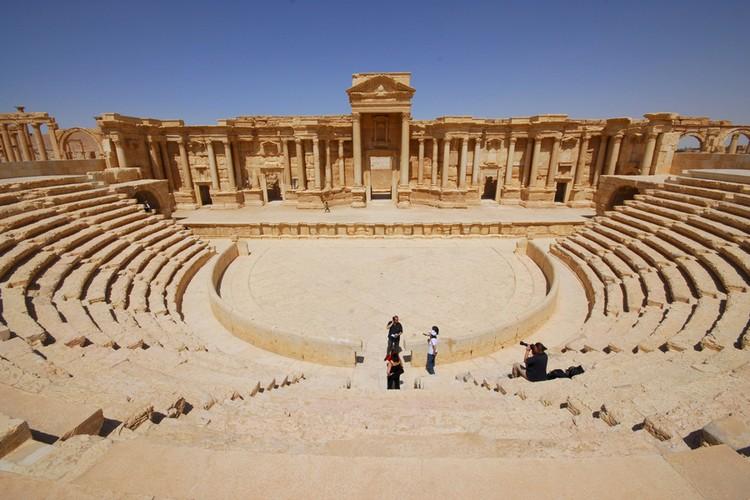 Пальмире (или по-арабски Тадмору) ЮНЕСКО присвоило статус памятника Всемирного наследия
