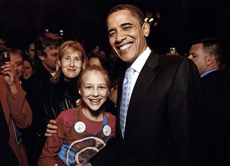 Сейчас Джоанна живет в Америке. На фото - с Обамой и дочкой (от брака с барабанщиком группы «Центр» Александром Васильевым). Фото: joannastingray.com