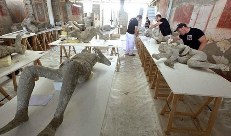Археологи продолжают находить жителей Помпеи.