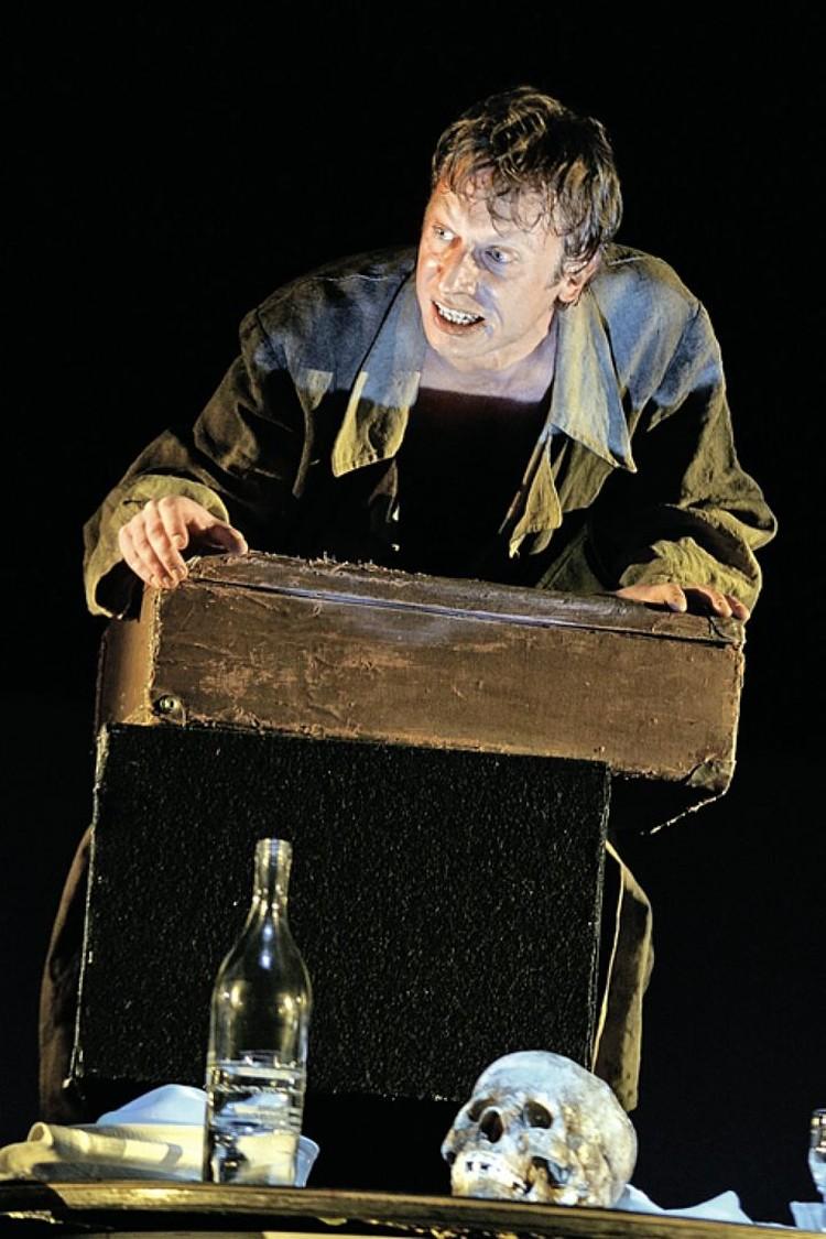В шекспировском «Гамлете» сцена с черепом бедного Йорика - одна из ключевых.
