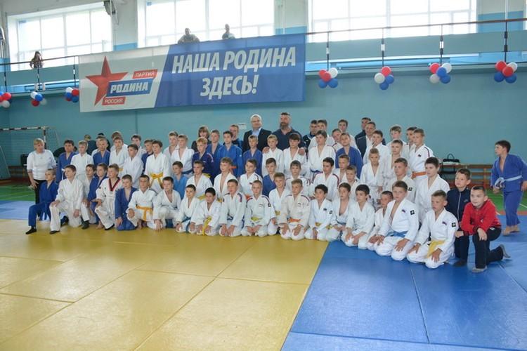 На турнире встретились юные дзюдоисты Новосибирской области.