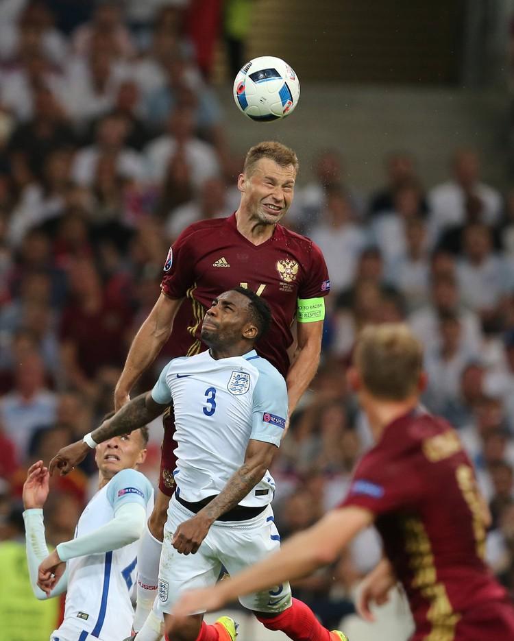 Матч сборных России и Англии запомнится не неожиданно приятным для команды Леонида Слуцкого результатом.