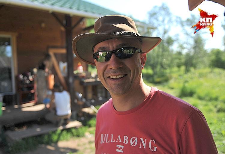 Дмитрий Русаков приехал сюда волонтером.