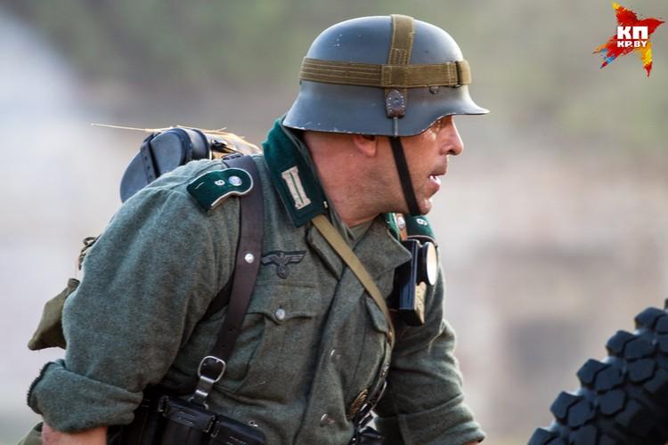 «Не дождетесь!» - выкрикнули советские солдаты в ответ на предложение фашистов сдаться.