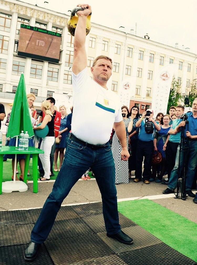 Никита Белых всегда занимался спортом, но в последнее время особенно активно. Даже ГТО почти сдал. Фото: twitter.com/NikitaBelyh