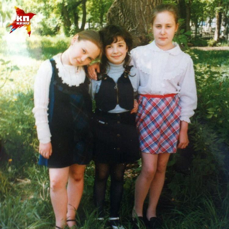 Школьные подружки: Пелагея (слева) и две Жени. Фото: личный архив Евгении ИЗМАЙЛОВОЙ