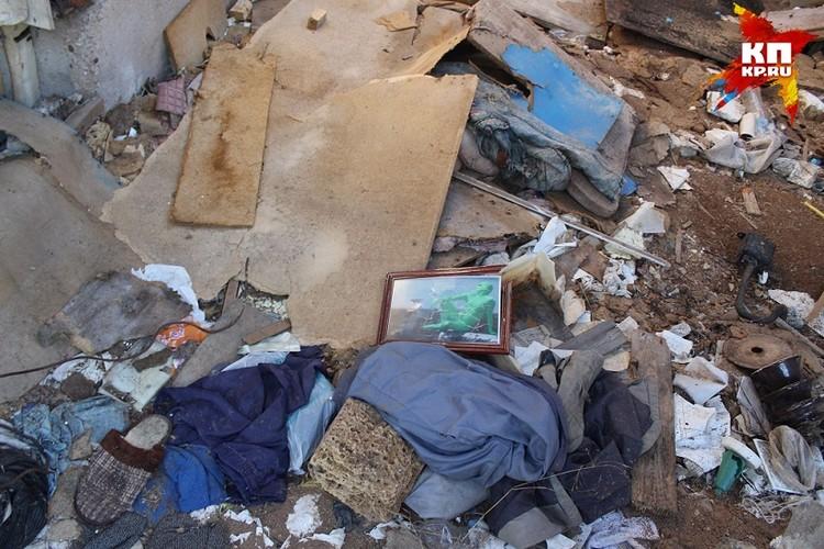 В автокемпинге, где жили сектанты, осталась их фотография