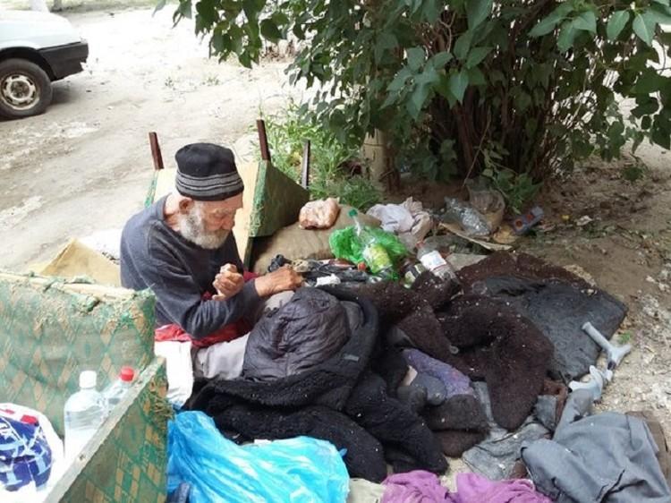 Таким дедушку впервые увидели волонтеры. Фото предоставили волонтеры.