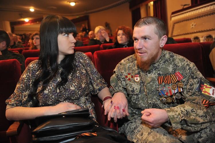 Ополченец «Моторола» с супругой Еленой в Донецком театре Оперы и Балета.