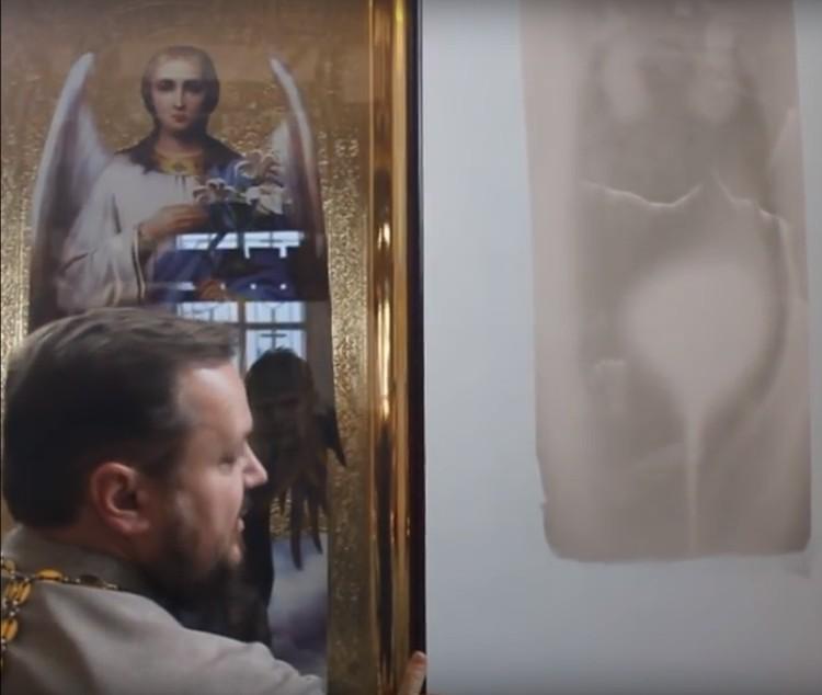 Отец Александр считает: помог иконописцам, работающим сейчас в храме, незримой рукой сам Господь