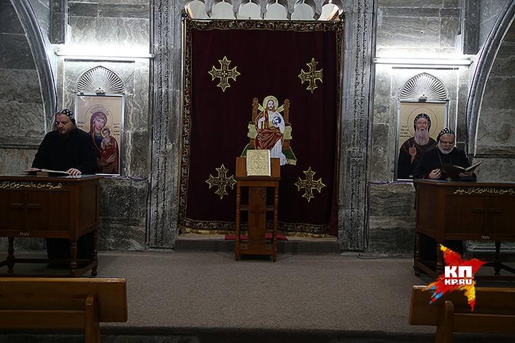 Служба в монастыре Святого Матфея.