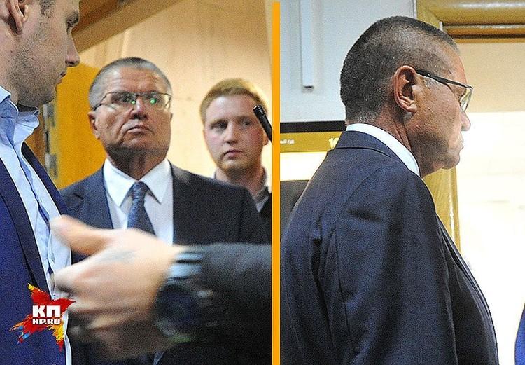 Во вторник министра Улюкаева доставили в Басманный суд без наручников.