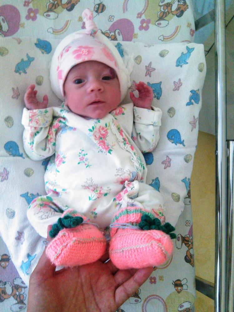 Кире здесь несколько недель и весит она почти килограмм, а родилась еще в два раза меньше Фото: Семейный архив семьи БООС