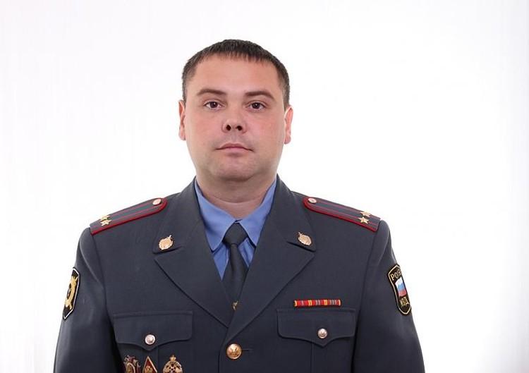 Начальник полиции города Отрадный Дмитрий Вашуркин попал после нападения в реанимацию.
