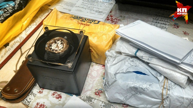 Среди золота и бриллиантов следователи нашли договор о намерении купить наручные часы стоимостью 36 миллионов рублей