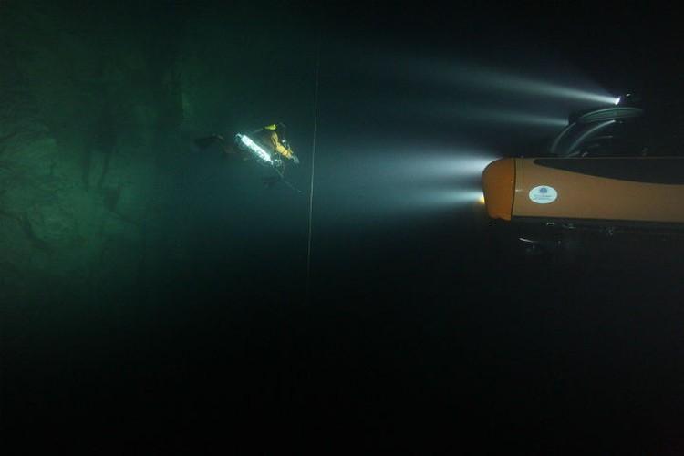 В самом глубоком карстовом озере живут только рачки. ФОТО: ЦПИ РГО