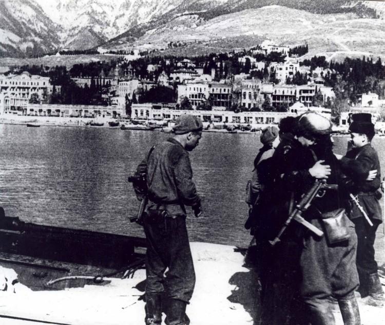 Партизаны в Ялте, 1944 год. Фото: infoglaz.ru