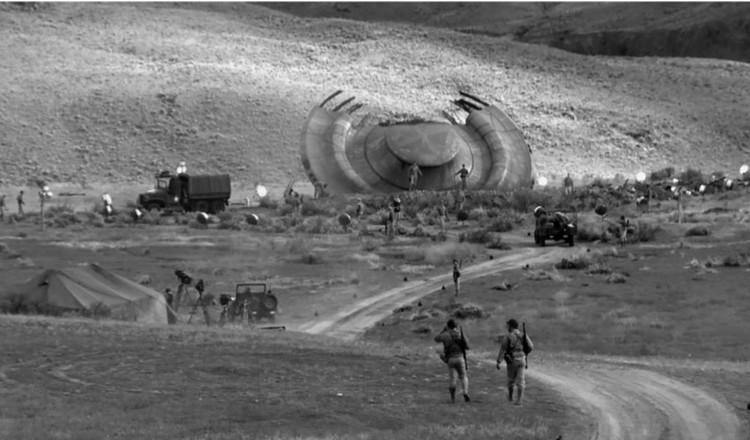 """В 1947 году в штате Нью-Мексико якобы разбилась """"летающая тарелка"""". На фото - реконструкция места происшествия."""