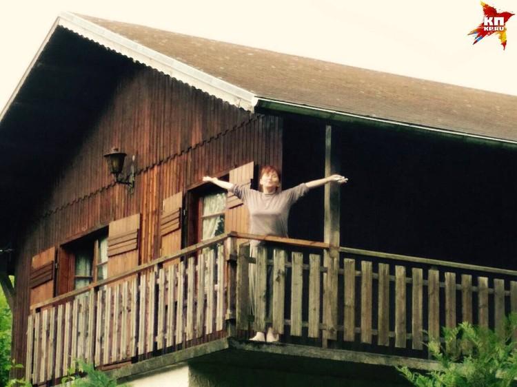 Надежда Уткина и ее муж живут в пригороде Женевы, неподалеку от озера Леман