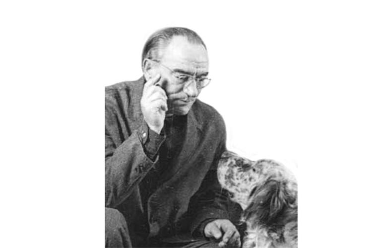 Одним из первых почетное звание получил автор «Белого Бима» Гавриил Троепольский