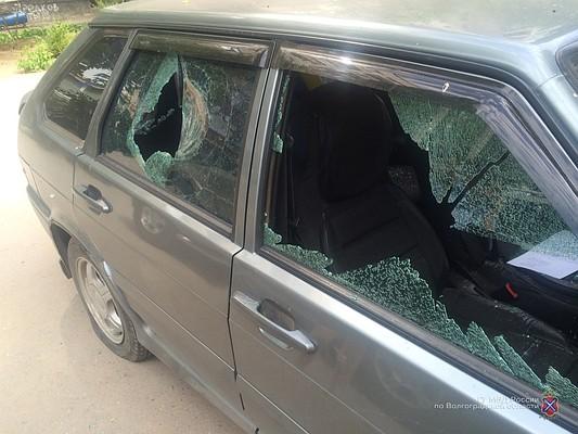 Подростки измести подожгли автомобиль жительницы Красноармейского района