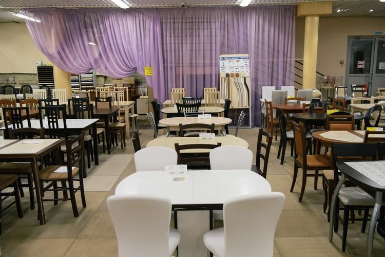 Мебель представлена производителями из Нижнего Новгорода, Москвы, Ульяновска и других городов.